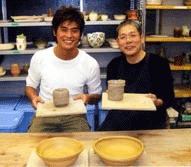 坂口憲二さんがまだん陶房で作陶!